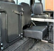 LAND ROVER DEFENDER 90 >2007- INDIVIDUAL INWARD FACING REAR SEAT BLACK